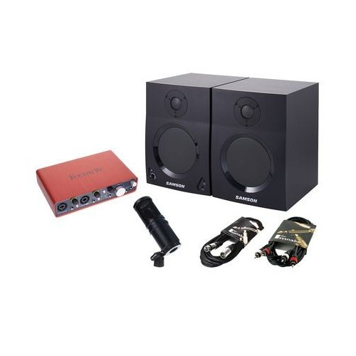 Focusrite Scarlett 2i4 Recording Bundle