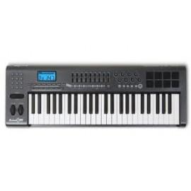 Claviaturi MIDI- (max. 49 clape)